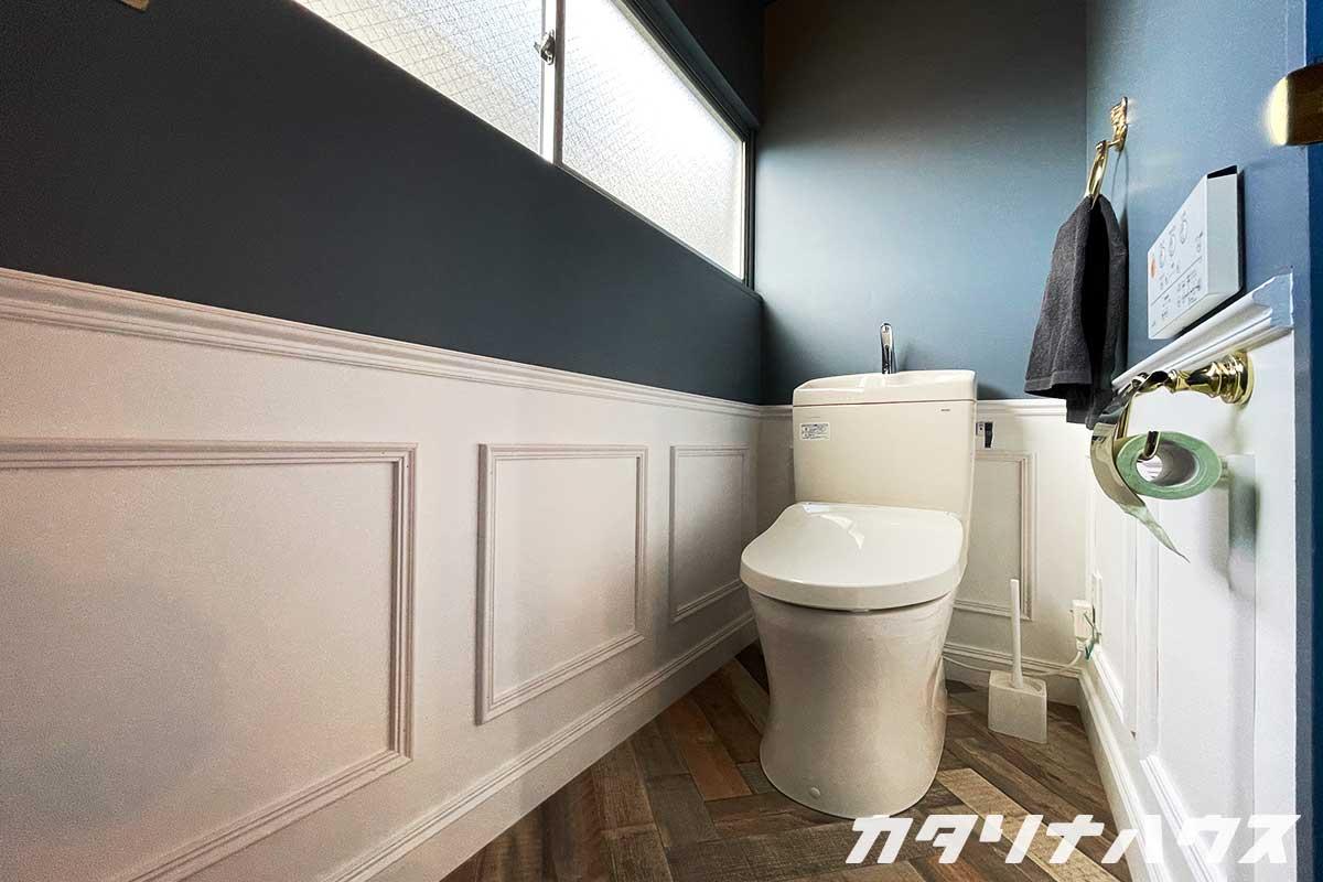 トイレ モールディング